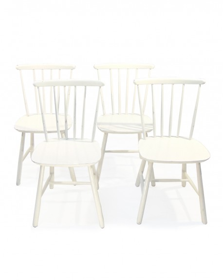 Conjunto de 4 sillas Escandinavas.