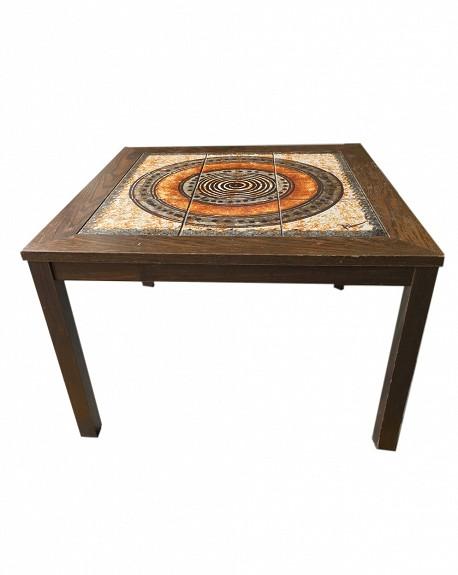 Mesa Nórdica con Ceramica